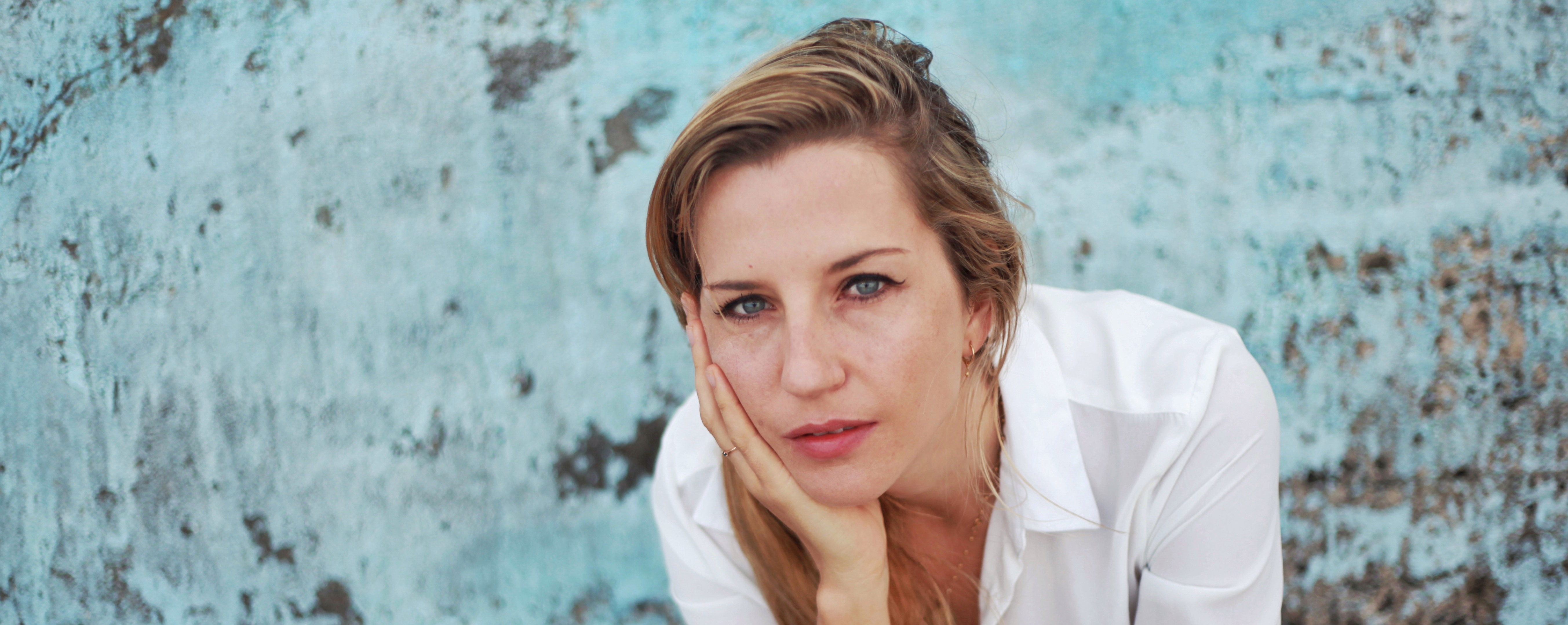 Interview with Anya Beyersdorf: How The Light Gets In, News