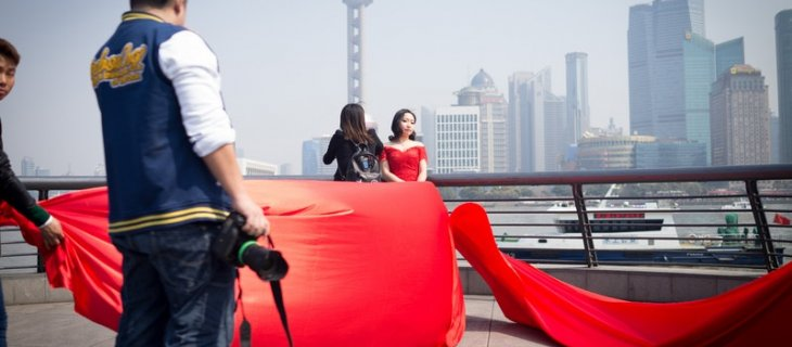 Seeing China through the colourful lens of the pre-wedding photography industry